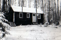 Early photo of the Camp Hospital (later Bayview Lodge)